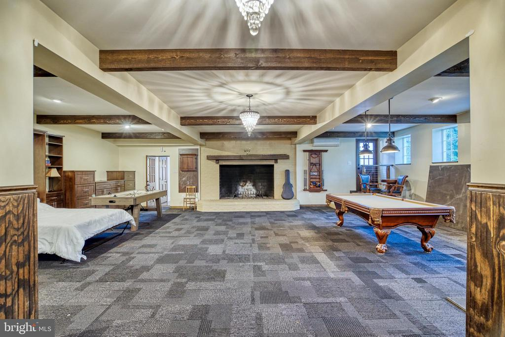 7'x5' hearth w/two flues. Access to Office. AC - 7500 CLIFTON RD, CLIFTON