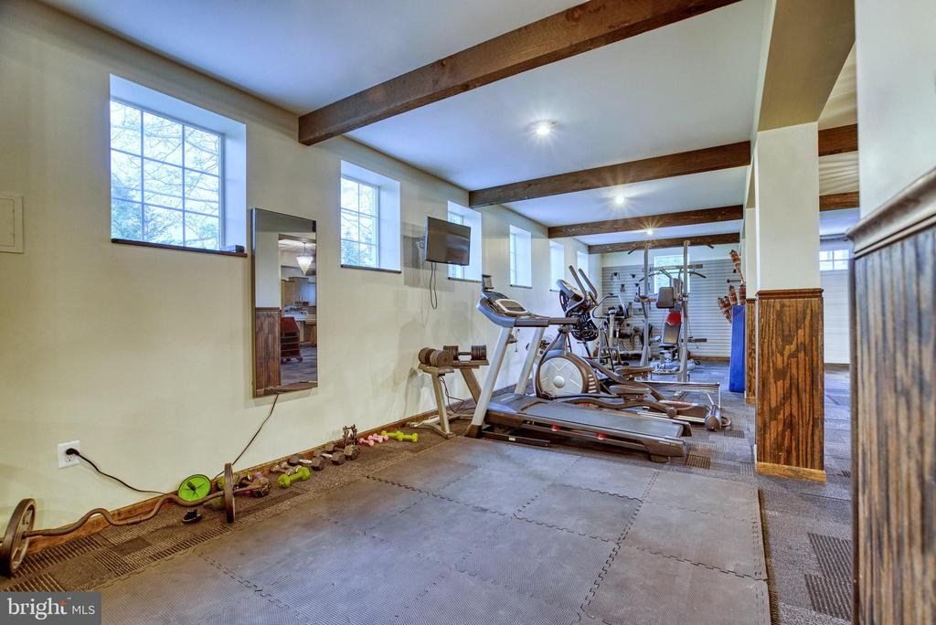 Exercise area of main floor of converted barn - 7500 CLIFTON RD, CLIFTON