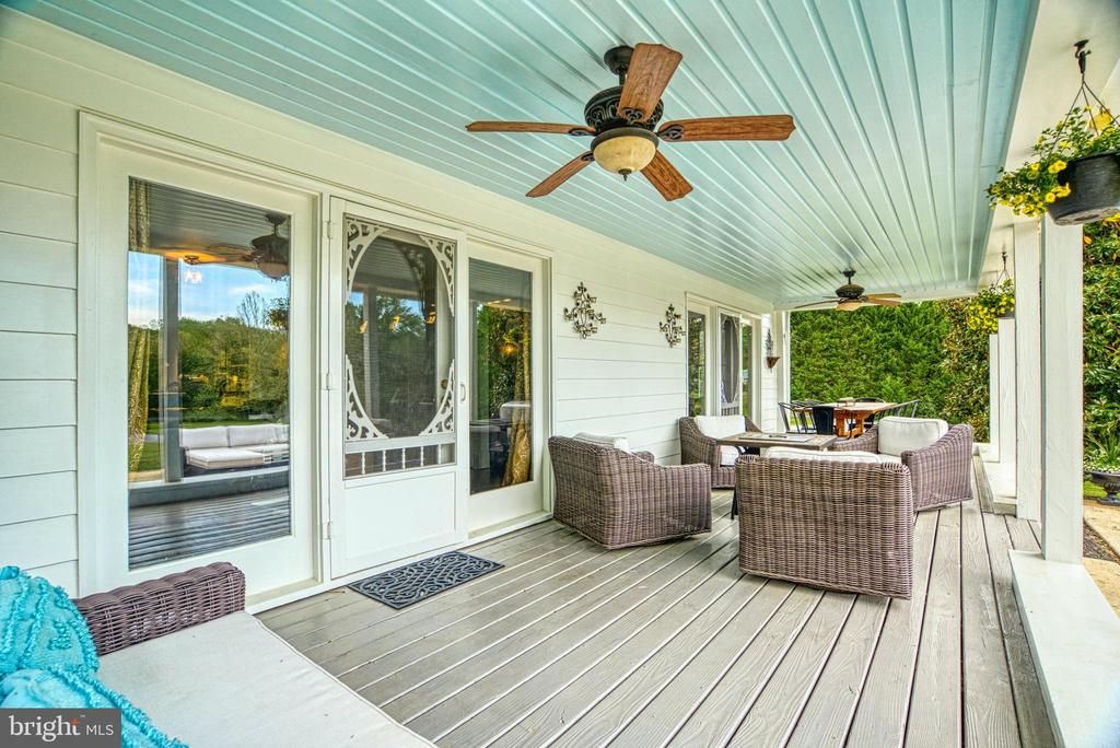 Access to DR and LR. Ceiling fans. Composite floor - 7500 CLIFTON RD, CLIFTON
