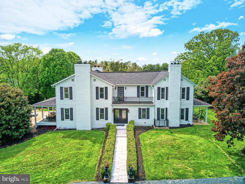 Fully modernized 1890's farmhouse. - 7500 CLIFTON RD, CLIFTON