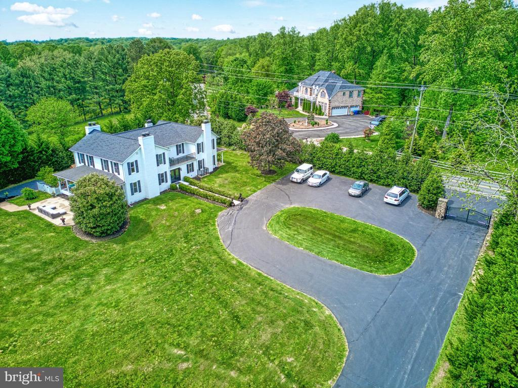 Parking pad for ample parking at Main house - 7500 CLIFTON RD, CLIFTON
