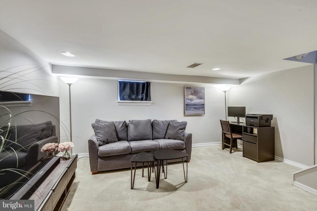 Rec room w/recessed lighting - 3270 S UTAH ST, ARLINGTON