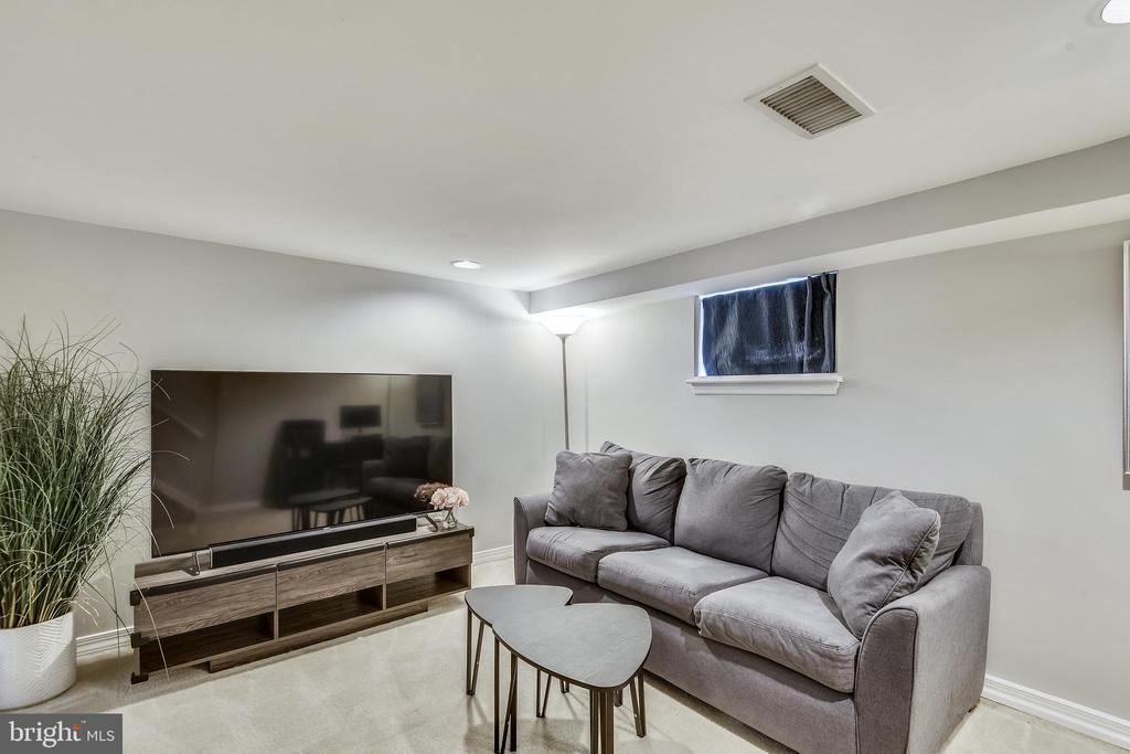 Perfect to use as 2nd living space - 3270 S UTAH ST, ARLINGTON