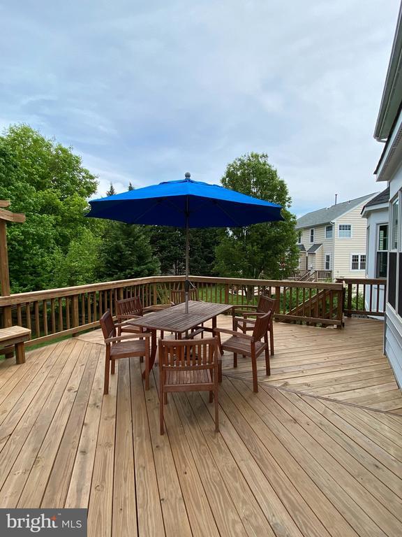 Amazing deck.   Furniture conveys - 21606 GOODWIN CT, BROADLANDS
