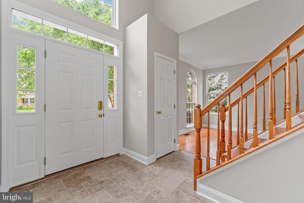 Foyer - 106 HAVERSACK CT NE, LEESBURG