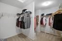 Large walk in closet - 42266 KNOTTY OAK TER, BRAMBLETON