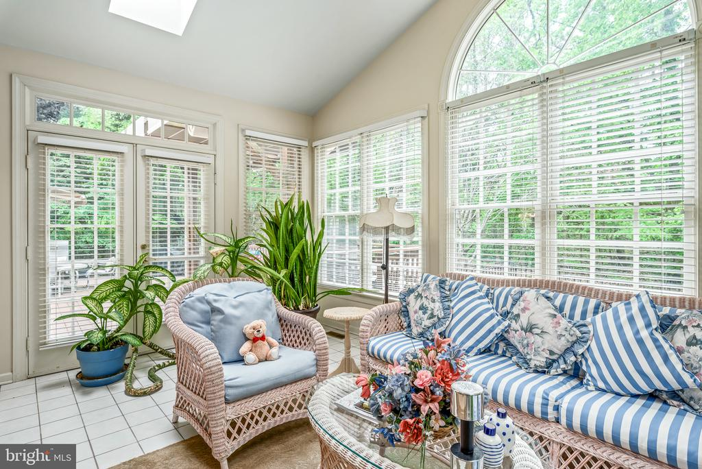 Sun Room with Access to Deck - 20441 WINFIELD PL, STERLING