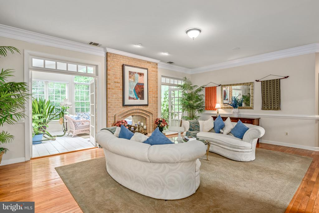 Family Room to Sun room - 20441 WINFIELD PL, STERLING