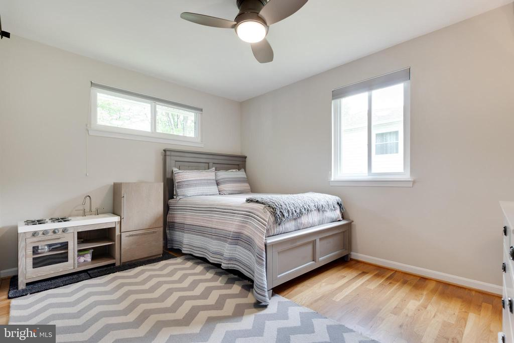 2nd Bedroom - 5068 COLERIDGE DR, FAIRFAX
