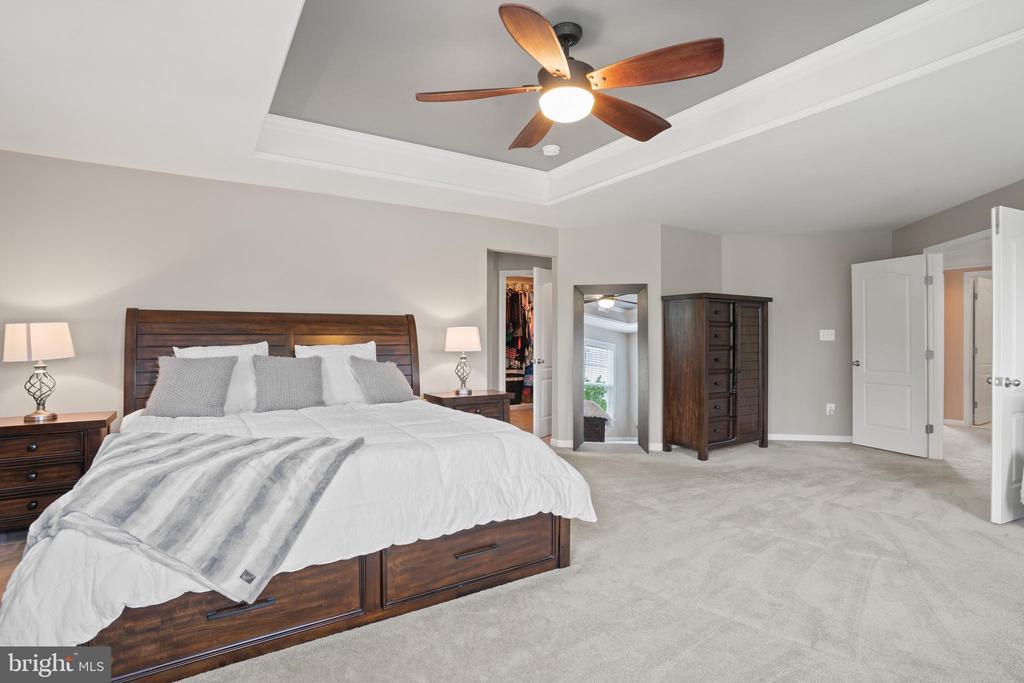 Open and airy...roomy yet comfortable! - 41959 ZIRCON DR, ALDIE