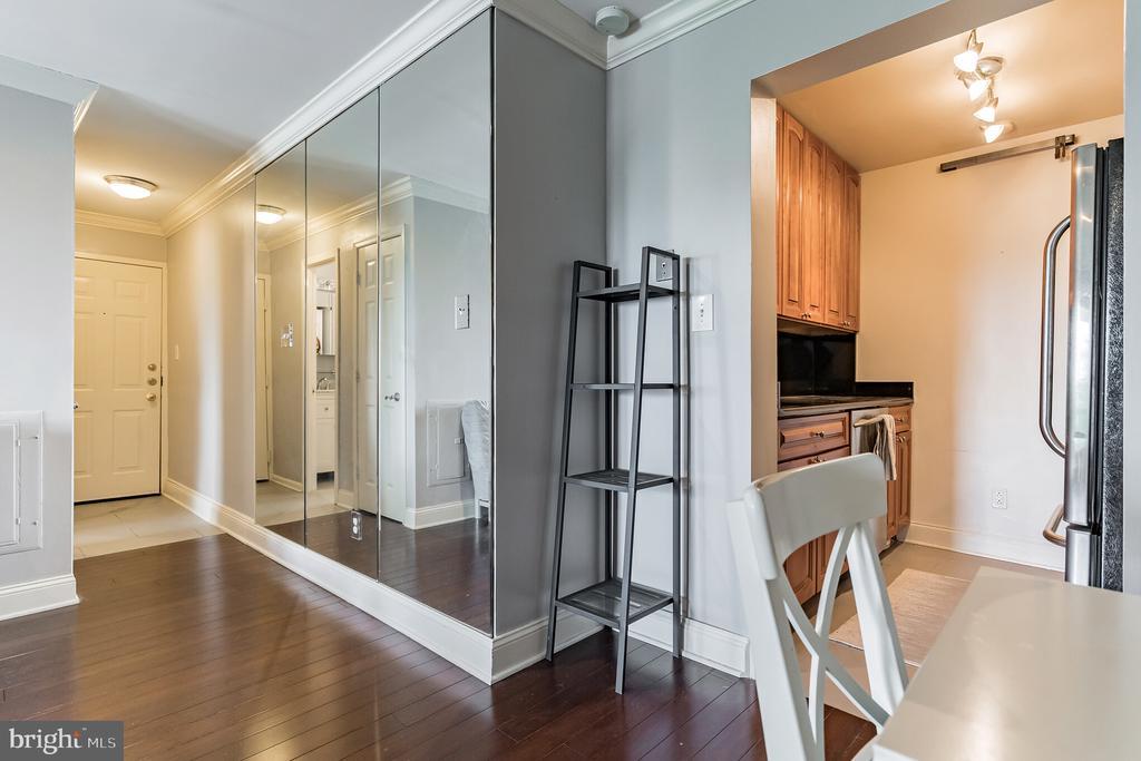 Renovated Flooring throughout - 3217 WISCONSIN AVE NW #7C, WASHINGTON