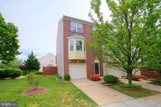 210 GOLDEN LARCH TER NE