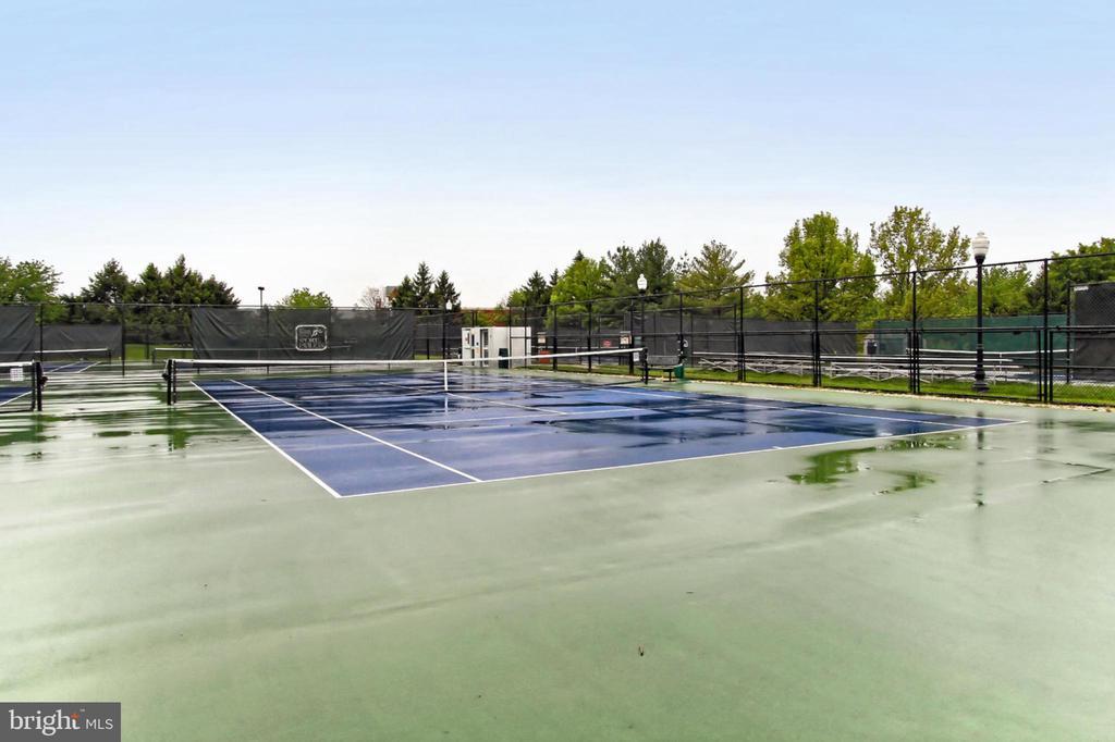 Tennis Anyone?! - 44043 CHOPTANK TER, ASHBURN