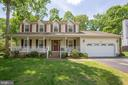 Beautiful colonial with front porch. - 10908 C E O CT, FREDERICKSBURG