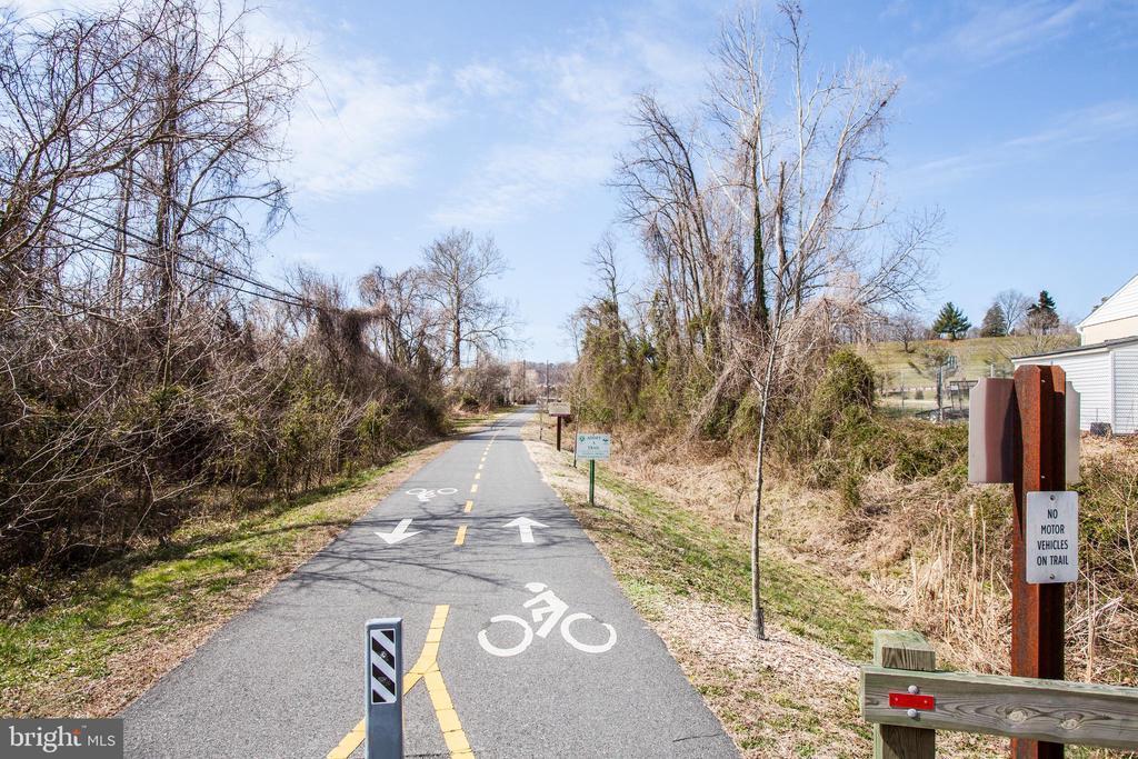 Bike/walk trail out the back door - 701-302 COBBLESTONE BLVD #302, FREDERICKSBURG