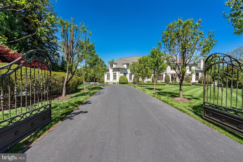 Sensational Tree Lined Approach - 8334 ALVORD ST, MCLEAN