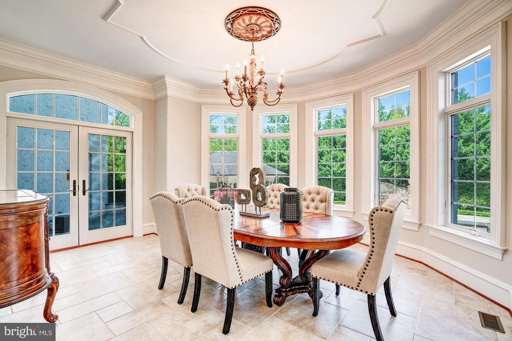 Informal Dining with French Doors to Terrace - 8334 ALVORD ST, MCLEAN