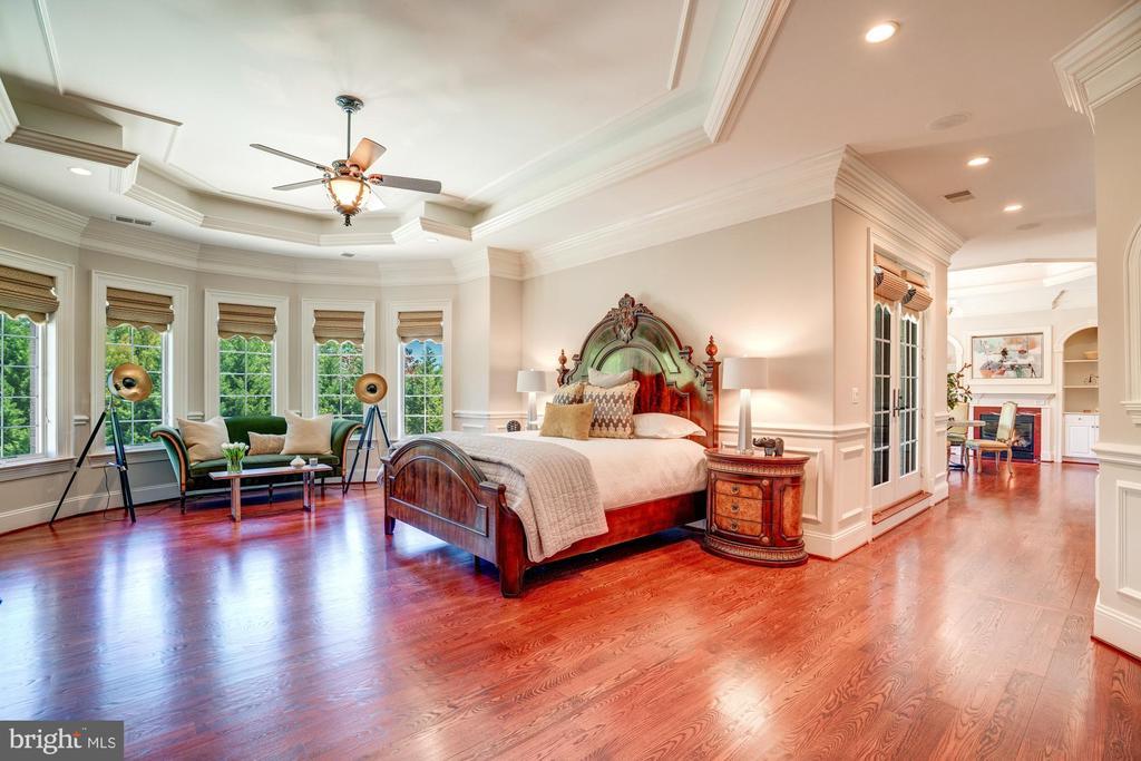 Owners Suite Bedroom - 8334 ALVORD ST, MCLEAN