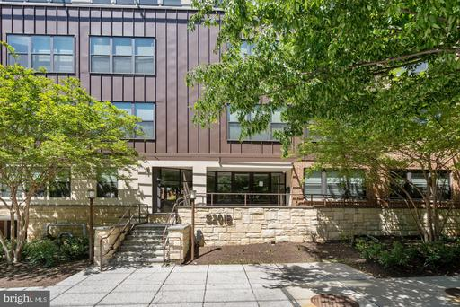 5201 WISCONSIN AVE NW #112