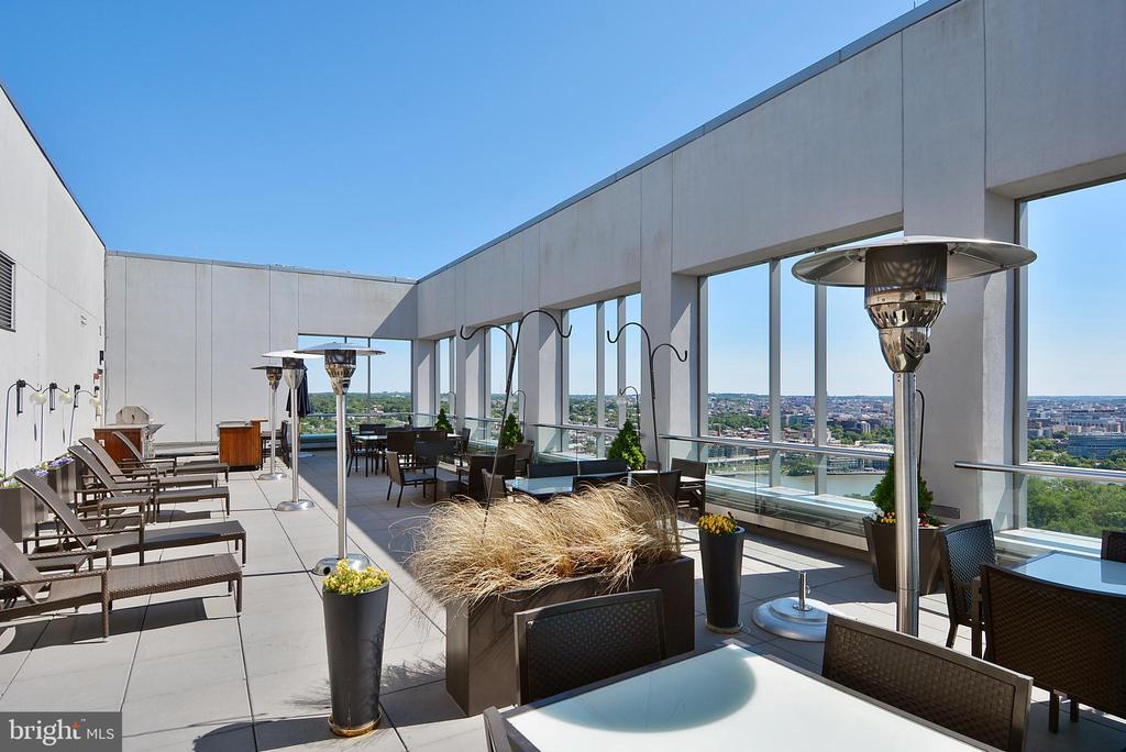 Roof top terrace - 1111 19TH ST N #1909, ARLINGTON