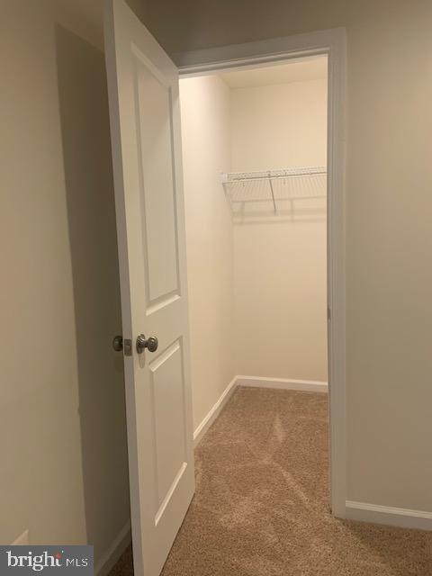 Secondary bedroom walk in closet - 42426 DOGWOOD GLEN SQ, STERLING