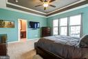 Primary bedroom with tray ceilings - 42238 PALLADIAN BLUE TER, BRAMBLETON