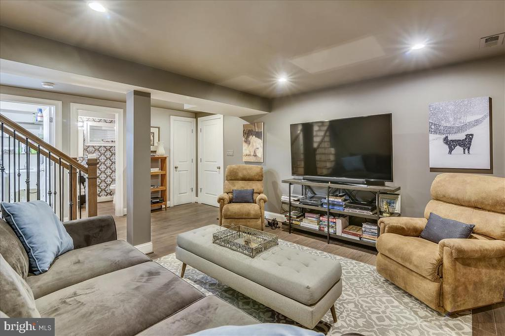 Recreation room,great for getting away from it all - 119 WOODBERRY RD NE, LEESBURG