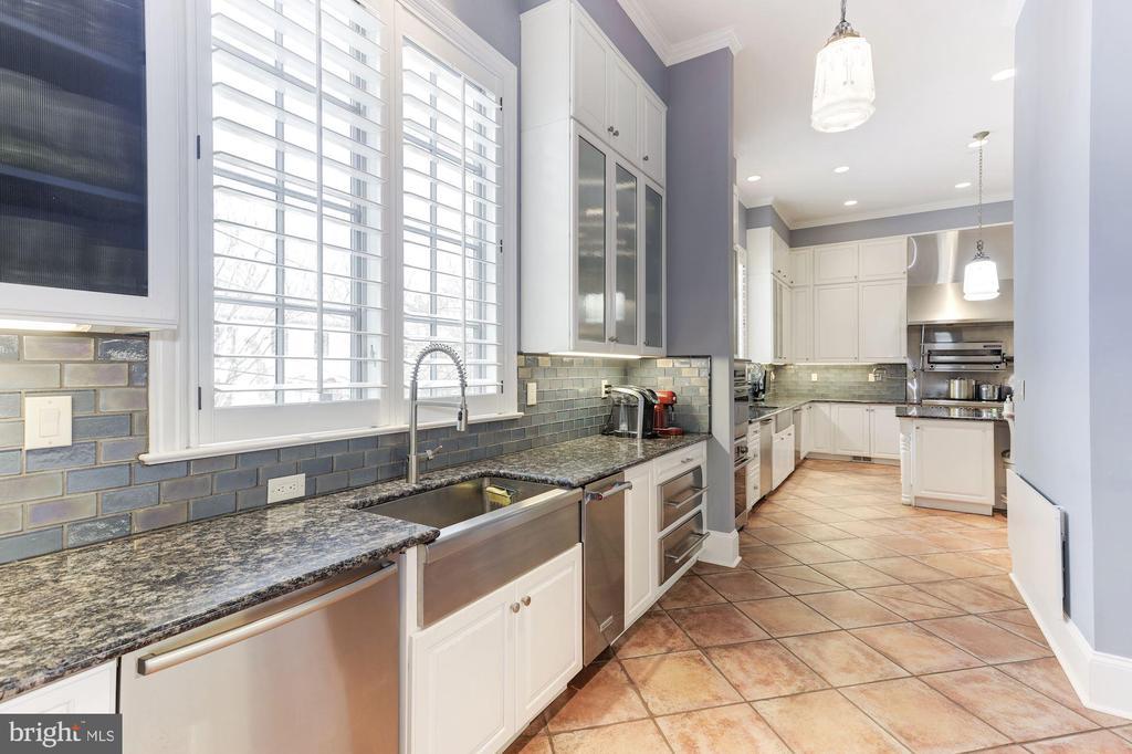 Kitchen with Walk in Refrigerator - 2221 30TH ST NW, WASHINGTON