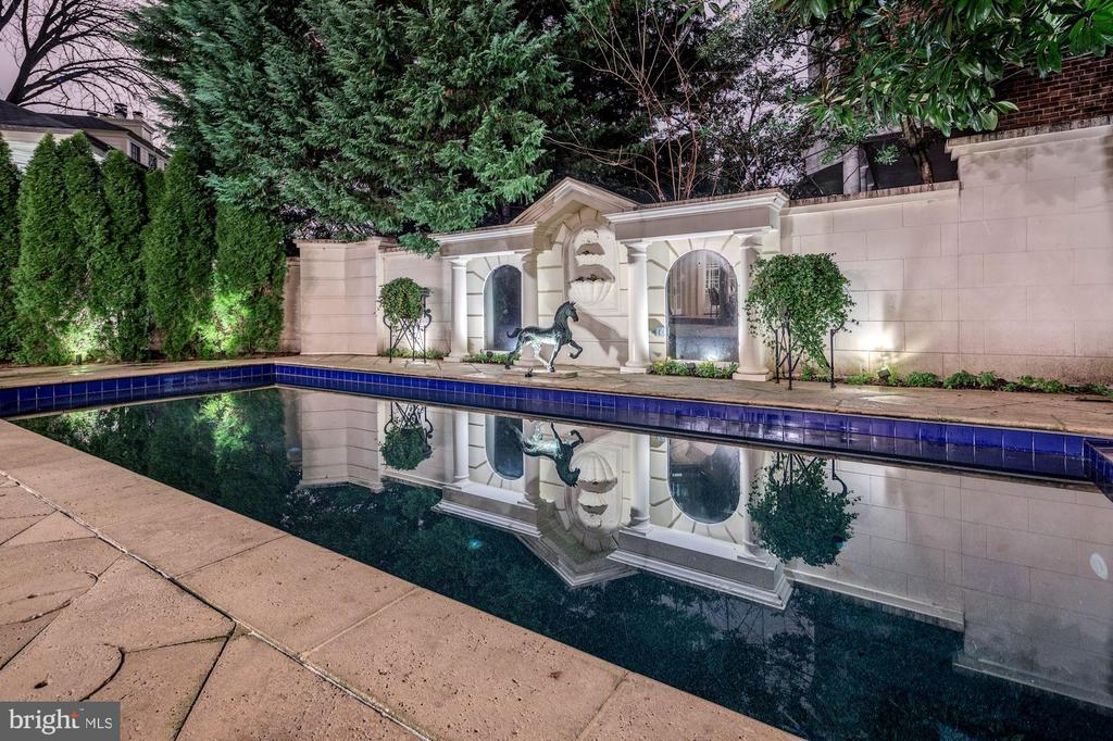 Heated 14 x 28 Pool with Auto Cover - 2221 30TH ST NW, WASHINGTON