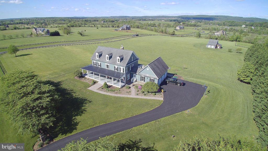 The best views in Lucketts. Sunsets wow! - 14915 LIMESTONE SCHOOL RD, LEESBURG