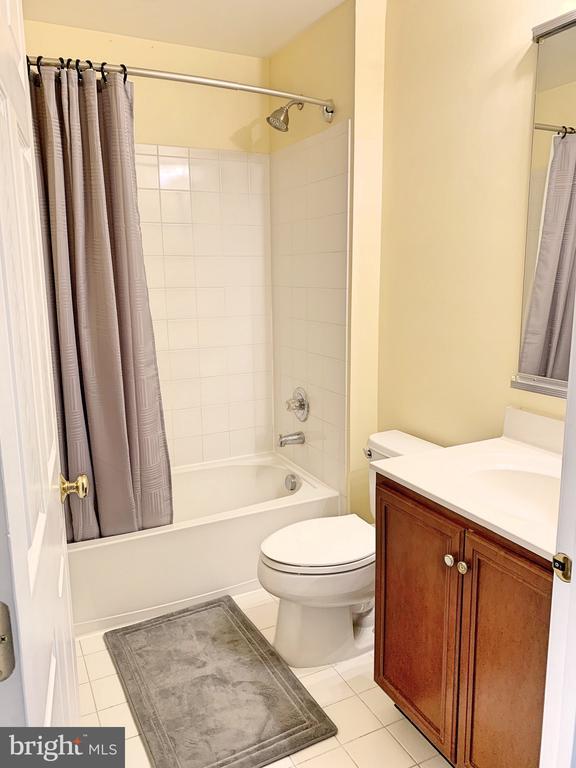 Bathroom #2 - 25216 WHIPPOORWILL TER, CHANTILLY