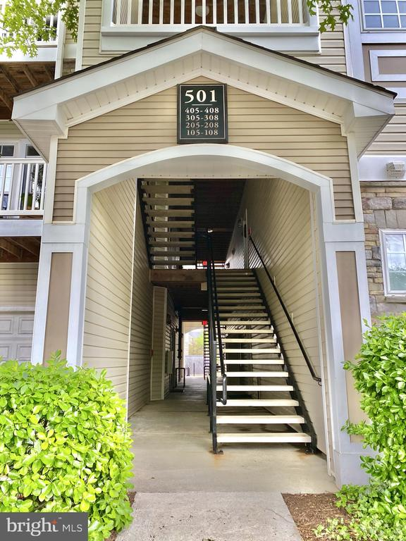 Building Entrance - 501 SUNSET VIEW TER SE #407, LEESBURG