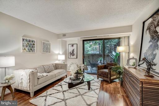 2320 WISCONSIN AVE NW #111