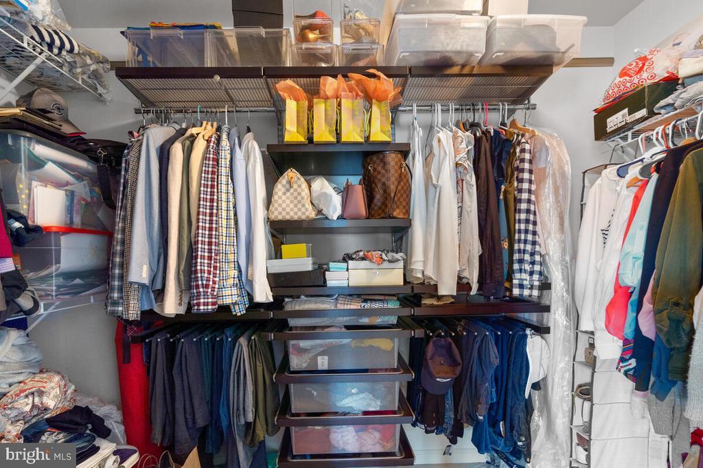Huge walk-in closet! - 23636 SAILFISH SQ, BRAMBLETON