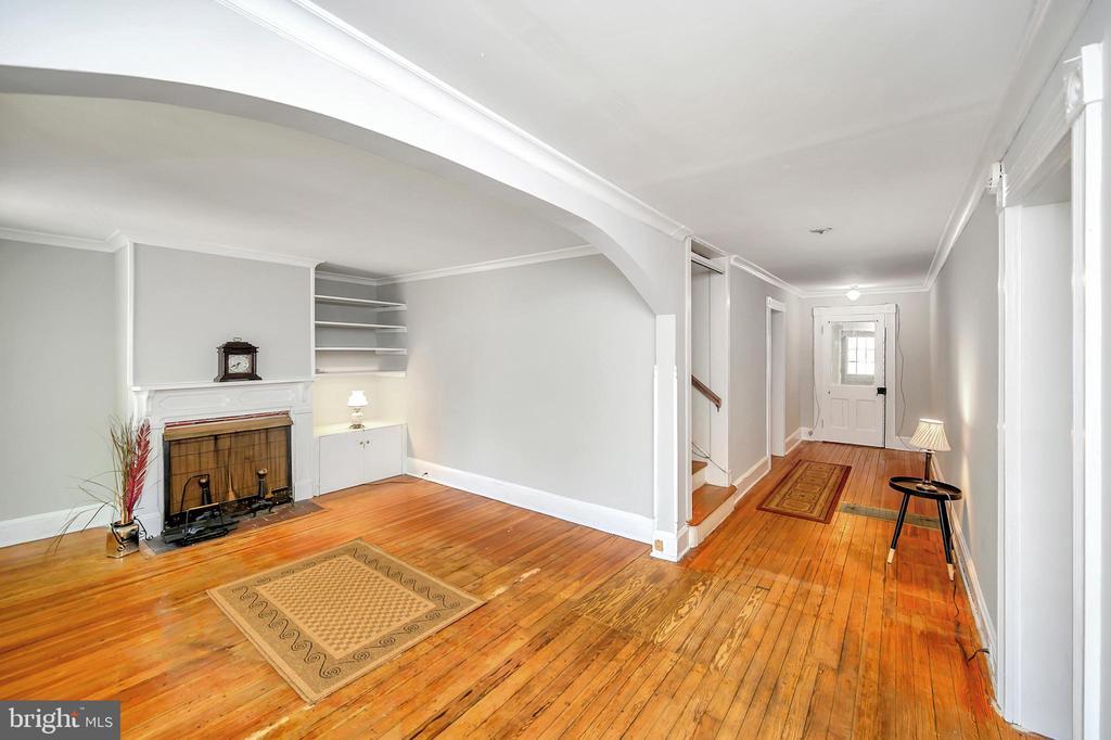 Living Room - 1215 WINCHESTER ST, FREDERICKSBURG