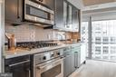 Viking cooktop and oven - 1111 19TH ST N #1909, ARLINGTON