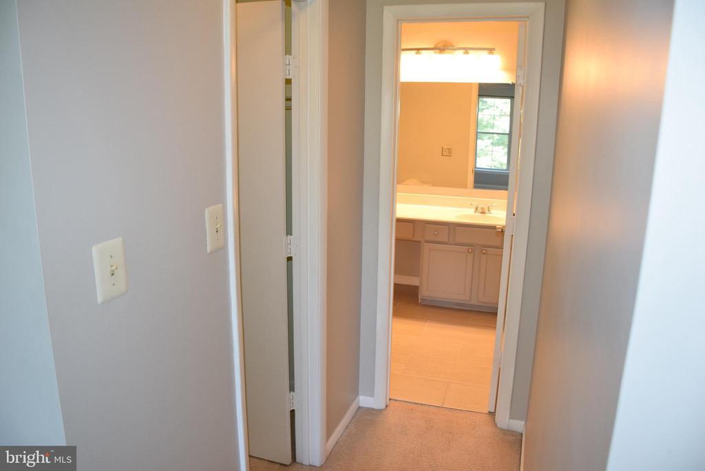 Primary Bathroom and Walk-in Closet - 44188 MOSSY BROOK SQ, ASHBURN
