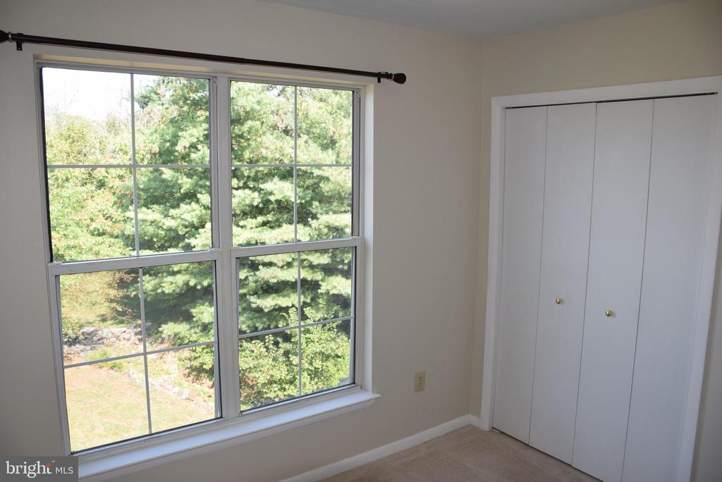Nice Sized Second Bedroom - 44188 MOSSY BROOK SQ, ASHBURN