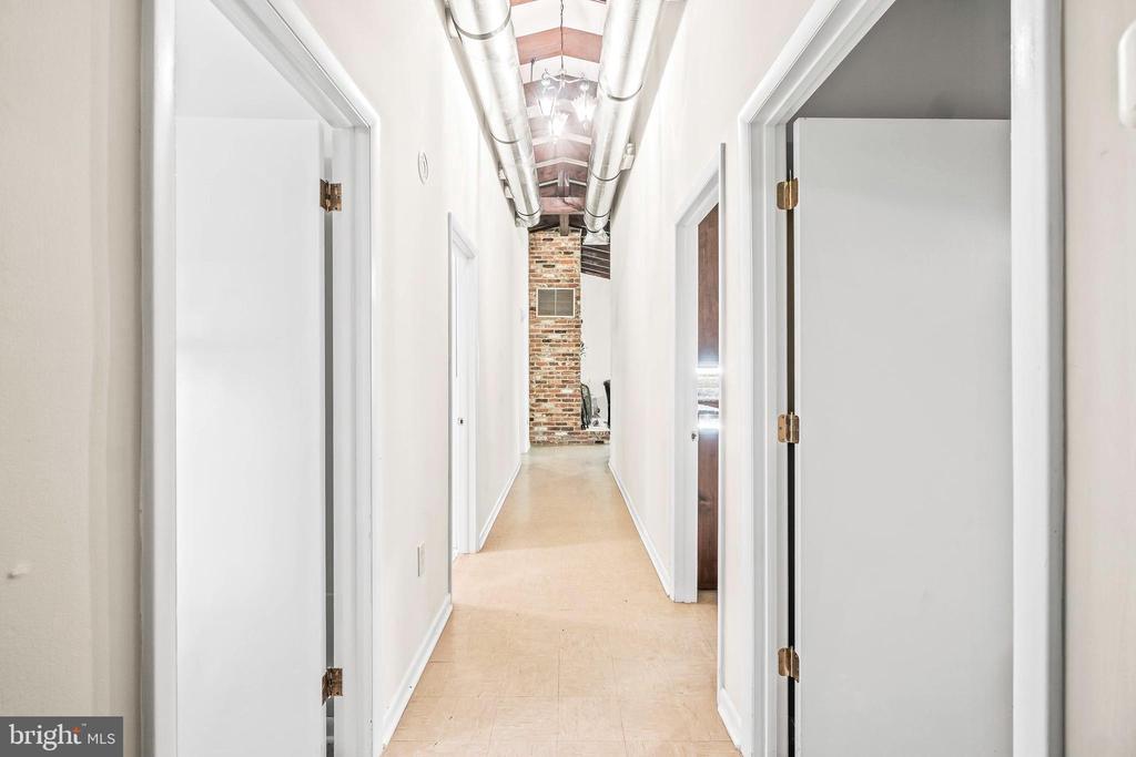 Hallway - 5898 COVE HARBOUR, KING GEORGE