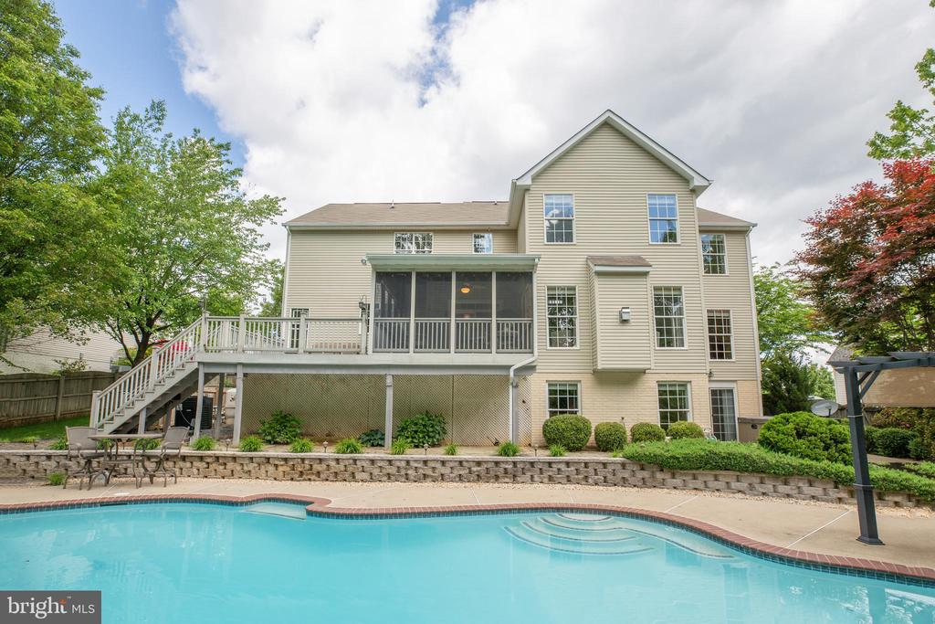 Paradise in your own backyard - 29 WALLACE LN, STAFFORD
