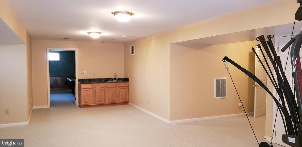 Rec Room in Basement - 55 FOX LN, WHITE POST