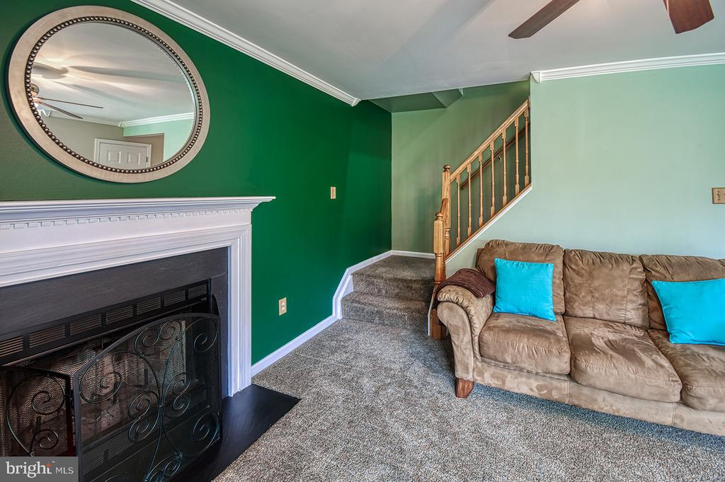 Family Room To Upstairs - 103 CROSSING POINTE CT, FREDERICK