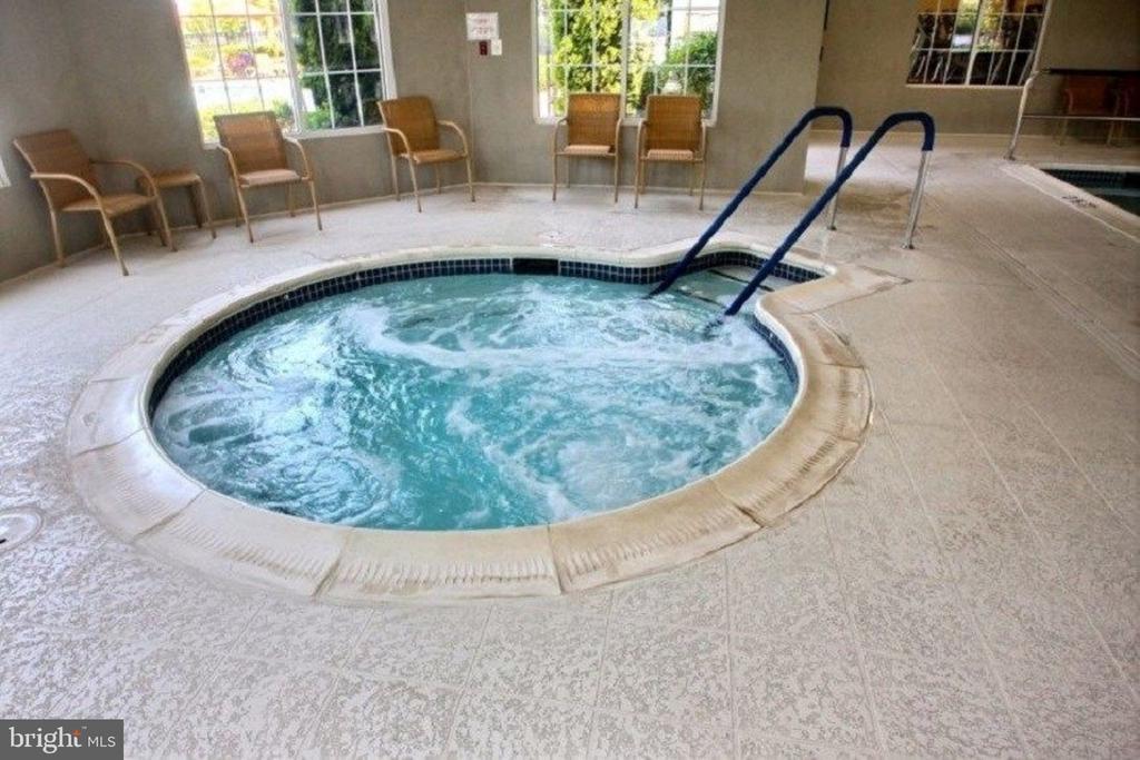 Hot Tub adjacent to Indoor Pool - 20580 HOPE SPRING TER #207, ASHBURN