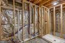 Framed & Spacious Bathroom - 20443 MIDDLEBURY ST, ASHBURN