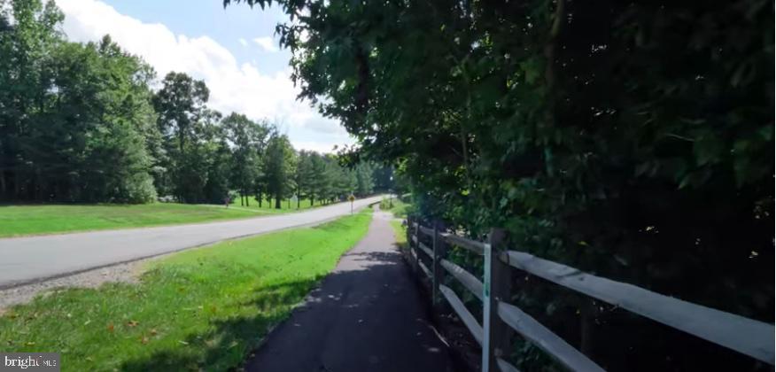 Neighborhood walking path - 13 LUDWELL LN, STAFFORD
