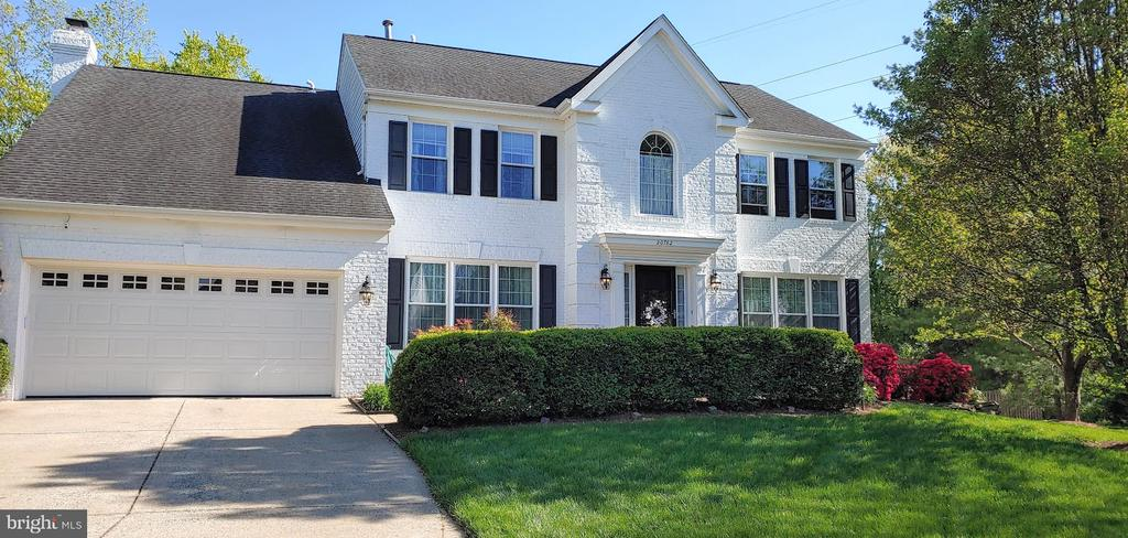 front of the house - 20782 LUCINDA CT, ASHBURN