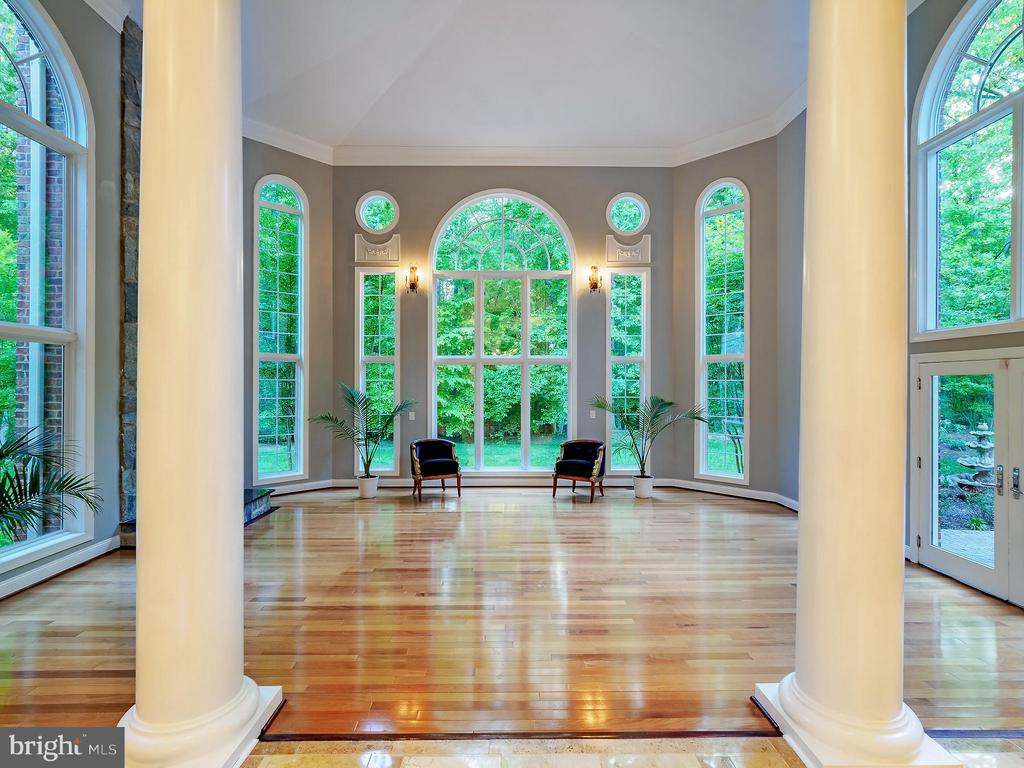 This stunning room lets the outside in! - 11009 HAMPTON RD, FAIRFAX STATION