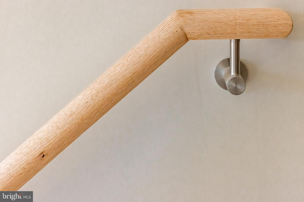 Round clean handrail with stainless hardware - 1120 GUILFORD CT, MCLEAN