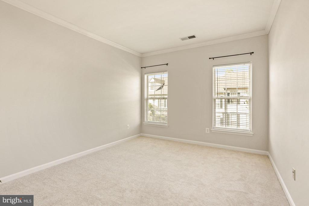 Large Secondary Bedroom - 20220 MACGLASHAN TER, ASHBURN