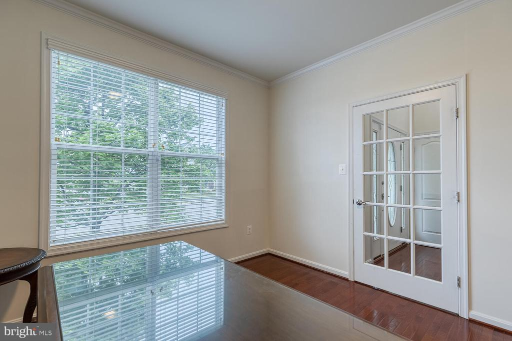 Study with natural light - 60 SANCTUARY LN, STAFFORD
